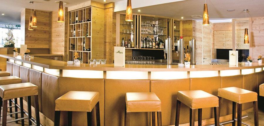 Hotel Bon Alpina, Igls, Austria - hotel bar.jpg